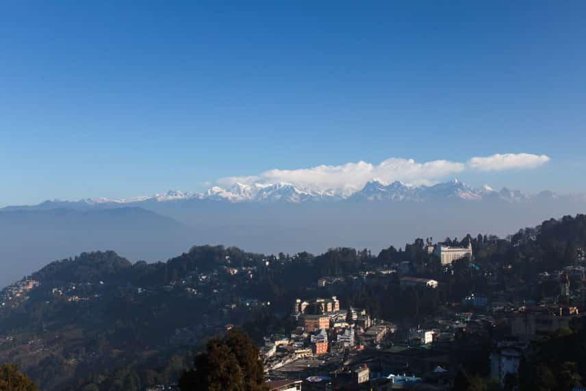 In Darjeeling India vertelde ik mezelf 'leuk uitzicht, maar de bergen in Nepal waren mooier'