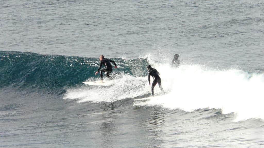 surfers @ Bell's Beach