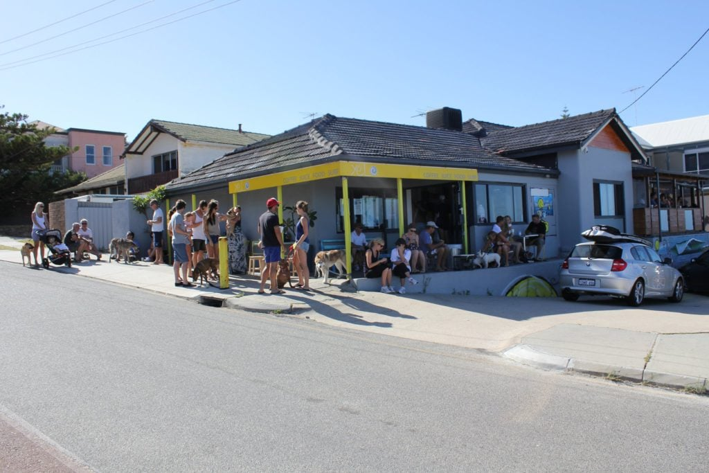 Yelo Café