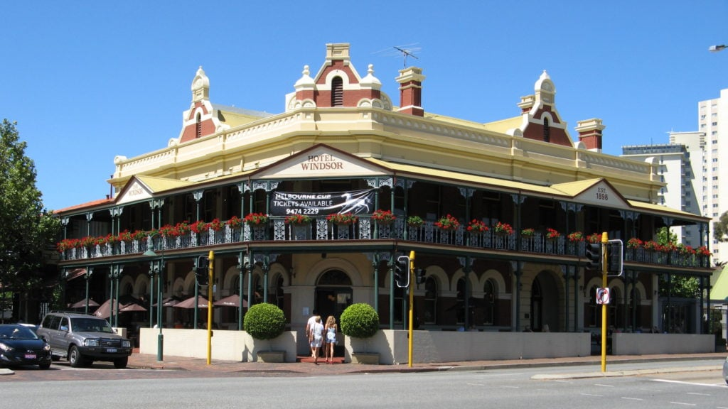 Windsor_Hotel,_South_Perth